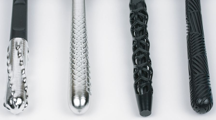 gillette-razor-maker-formlabs-3d-printed-razor-handles-chrome-black.png.895x0_q80_crop-smart (1)